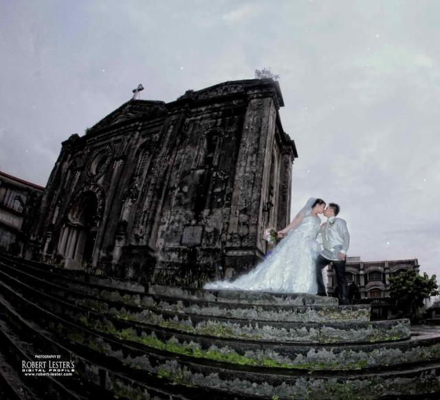 Wedding in Nuestra Senora de Gracia Church in Pasig